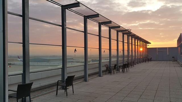 západ slunce za letištěm